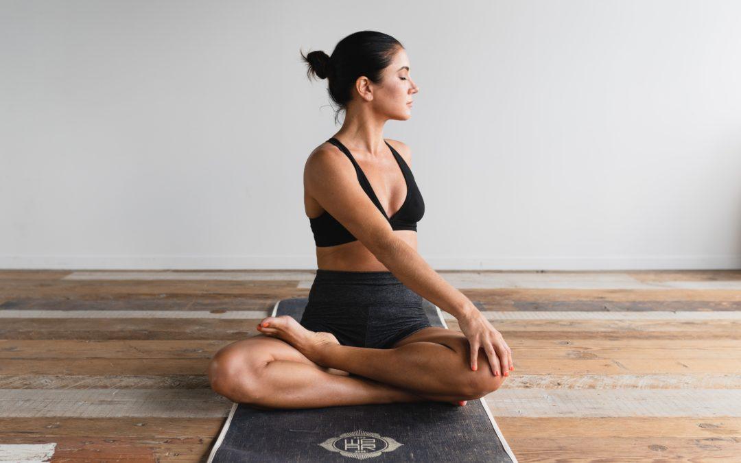 Faszienyoga gegen Rückenschmerzen – Körperpflege die tiefer geht