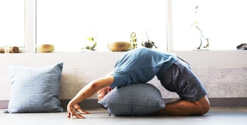 Sofortübungen und Tipps bei Schmerzen im mittleren Rücken